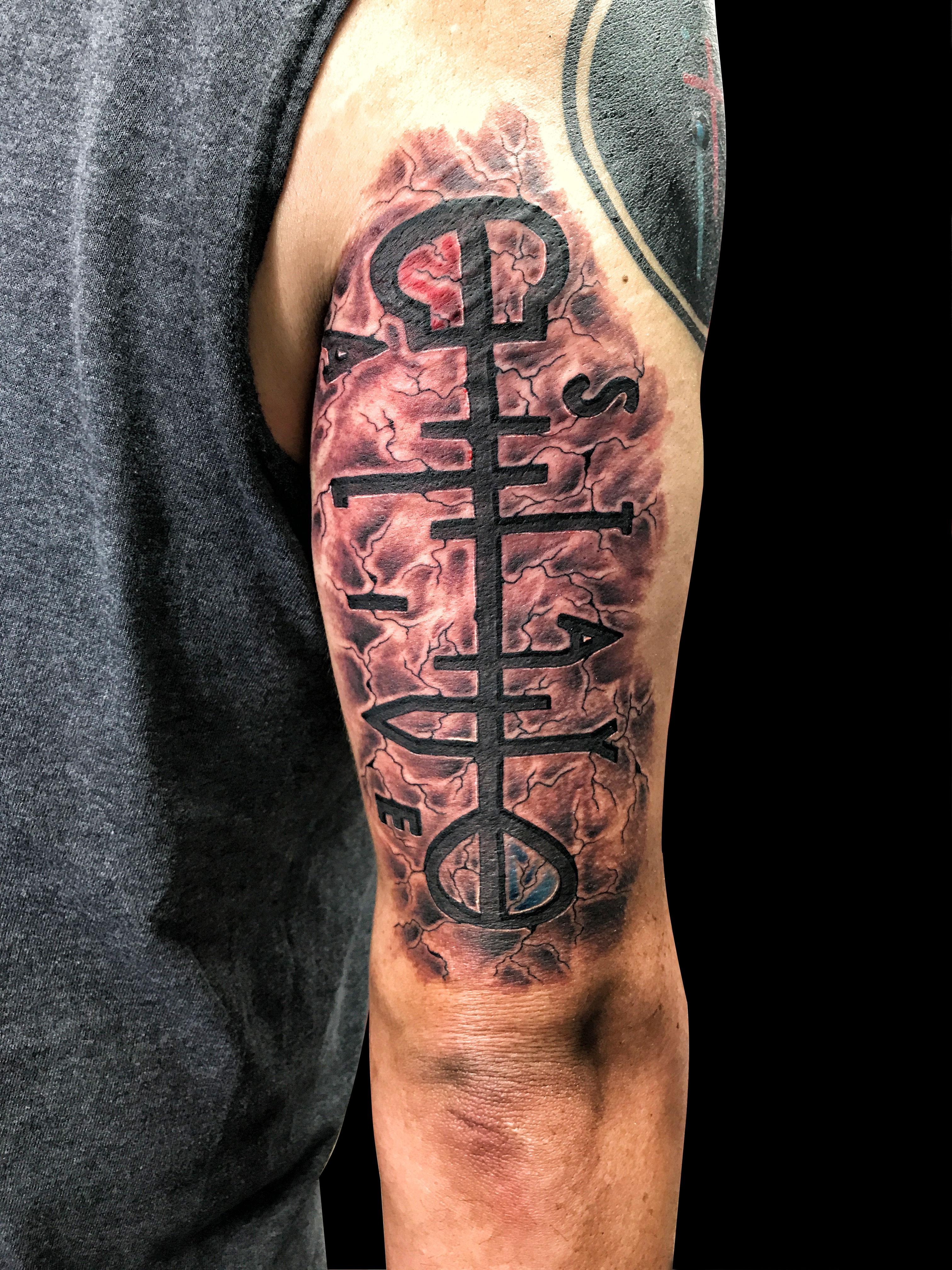 Q Tattoo in Huntington Beach - Sara Delara - stay alive